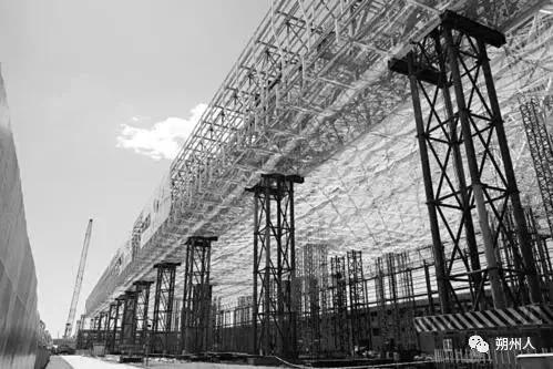 """山西盖的""""屋顶""""创下新纪录!亚洲最大飞机维修库钢结构封顶了"""